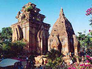 Du lịch Tháp Bà Ponagar