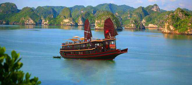 du lich ha long tet