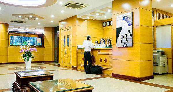 Đặt khách sạn tết online