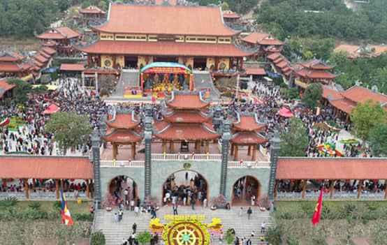 Tour Du Lịch Hà Nội – Côn Sơn – Kiếp Bạc – Hà Nội 1 Ngày