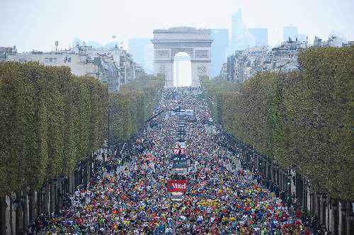 Cuộc thi marathon lớn và sôi động bậc nhất hành tinh diễn ra tại Paris tháng 4 hàng năm.