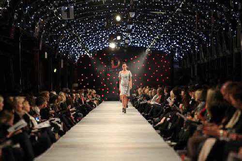 Tuần lễ trời trang iD Dunedin Fashion Week năm 2013