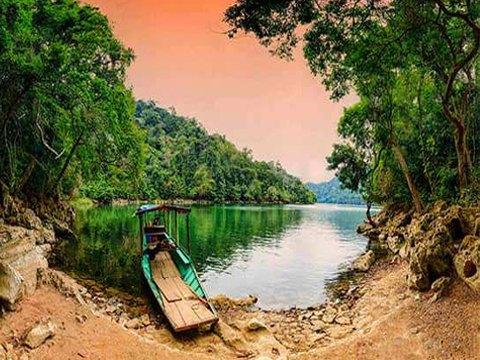Du lịch Cao Bằng 3 ngày 2 đêm – Hồ Ba Bể – Pắc Ngoài – Thác Bản Giốc – Suối Lê Nin – từ Hà Nội