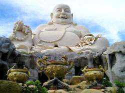 Tượng Phật Di Lặc tại chùa Lớn