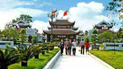Đền Thờ Vua Quang Trung