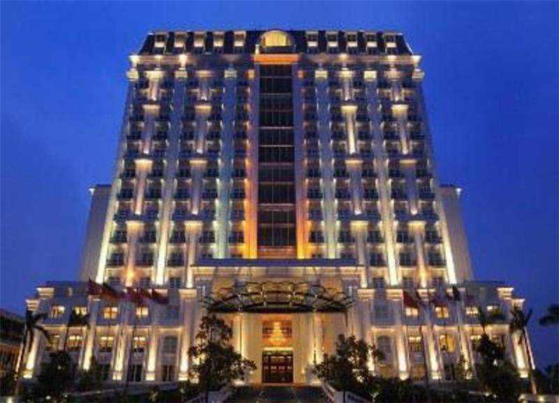 Khách sạn Celadon Palace Huế