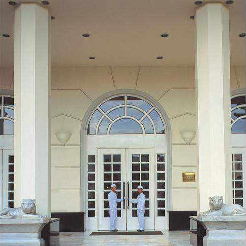 Khách sạn Mövenpick Saigon