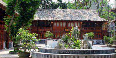 Khách sạn V'star Hòa Bình
