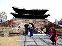 Du Lich Hàn Quốc Cung điện hoàng gia Kyong-bok 500 tuổi